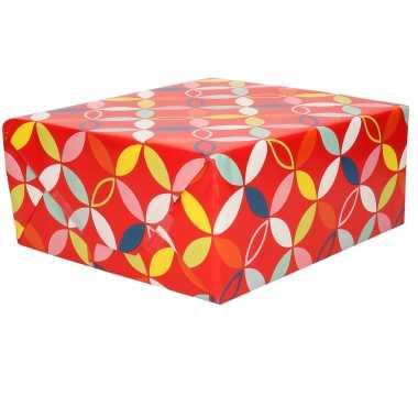 1x inpakpapier/cadeaupapier rood met bloem figuren motief 200 x 70 cm rol