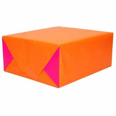 1x inpakpapier dubbelzijdig oranje / fuchsia roze 200 x 70 cm