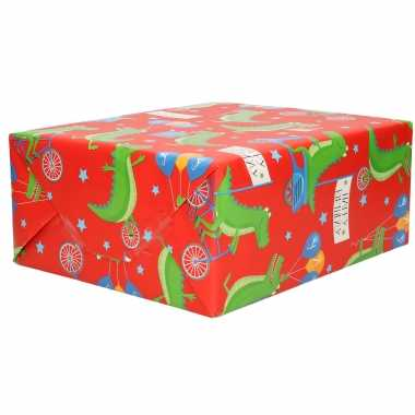1x inpakpapier kinder verjaardag rood met krokodillen thema 200 x 70 cm