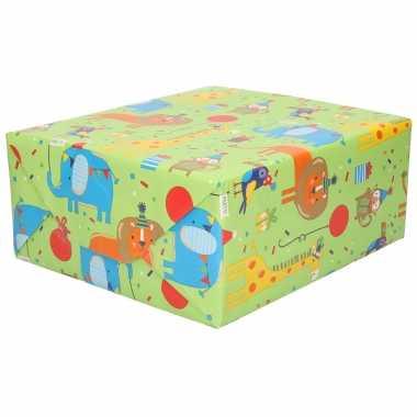 1x rol inpakpapier/cadeaupapier groen met dieren design 200 x 70 cm