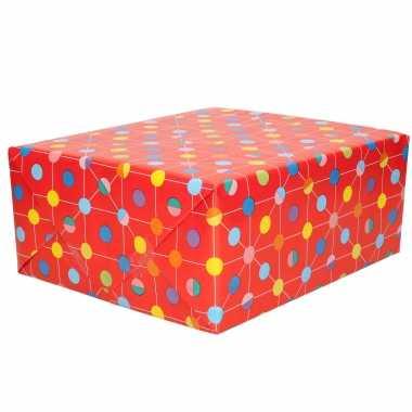 1x rollen inpakpapier/cadeaupapier rood met gekleurde stippen design 200 x 70 cm