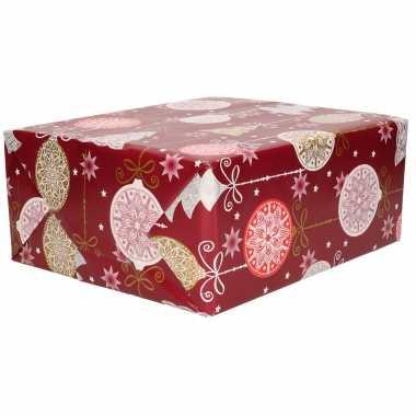 1x rollen kerst cadeaupapier/inpakpapier donker rood met grote ballen/bomen 200 x 70 cm