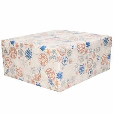 1x rollen kerst cadeaupapier/inpakpapier grijs met zilver / blauwe sneeuwvlokken print 200 x 70 cm