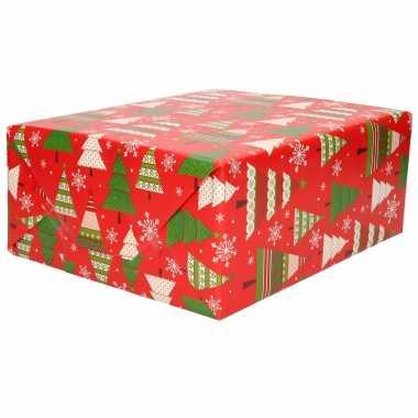 1x rollen kerst cadeaupapier/inpakpapier rood met kerstbomen print 200 x 70 cm