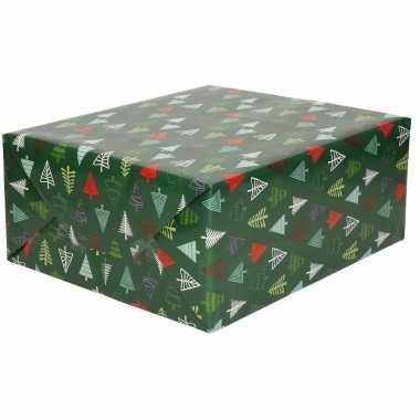 1x rollen kerst inpakpapier/cadeaupapier donkergroen/gekleurde bomen 2,5 x 0,7 meter