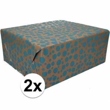 2x inpakpapier/cadeaupapier bruin/blauwe stippen 200 x 70 cm rol