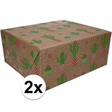 2x inpakpapier/cadeaupapier bruin/cactussen 200 x 70 cm op rol