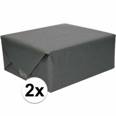 2x inpakpapier/cadeaupapier zwart kraftpapier 200 x 70 cm rollen