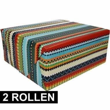 2x inpakpapier met kleurig design 200 x 70 cm op rol type 3