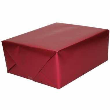 2x luxe inpakpapier/cadeaupapier bordeaux zijdeglans 150 x 70 cm