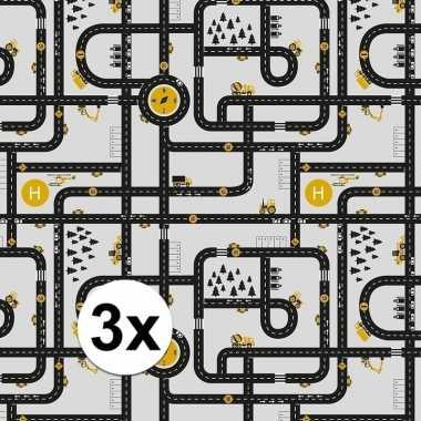 3x inpakpapier/cadeaupapier wegen speelkleed 200 x 70 cm