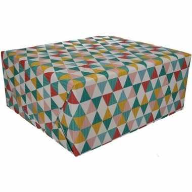 3x inpakpapier driehoek motief 200 x 70 cm op rol type 6