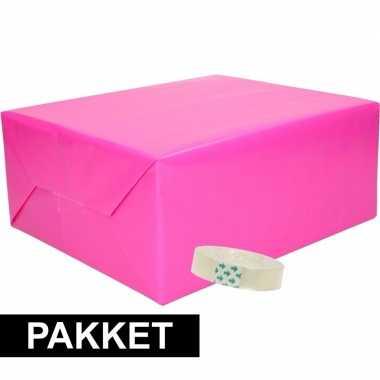 3x inpakpapier fuchsia/roze met rolletje plakband