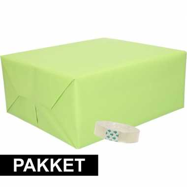 3x inpakpapier lichtgroen met rolletje plakband