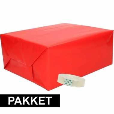 3x inpakpapier rood met rolletje plakband