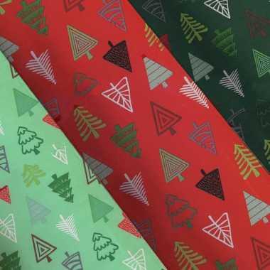 3x rollen kerst inpakpapier/cadeaupapier lichtgroen/donkergroen/rood 2,5 x 0,7 meter