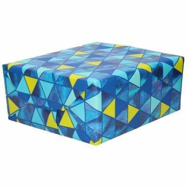 Inpakpapier/cadeaupapier blauw blauw/gele driehoeken 200 x 70 cm