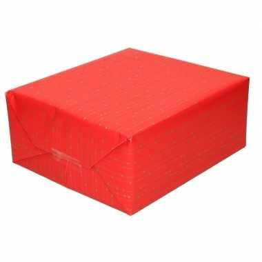 Inpakpapier/cadeaupapier rood met gouden strepen 200 x 70 cm