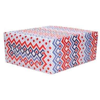 Inpakpapier/cadeaupapier rood wit blauw ruiten patroon 200 x 70 cm