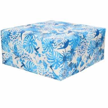 Inpakpapier/cadeaupapier wit blauwe bladeren/vogels print 200 x 70 cm op rol