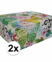 2x inpakpapier met bloemen motief 200 x 70 cm op rol type 8