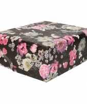 Rollen inpakpapier cadeaupapier zwart met roze en witte bloemen 200 x 70 cm